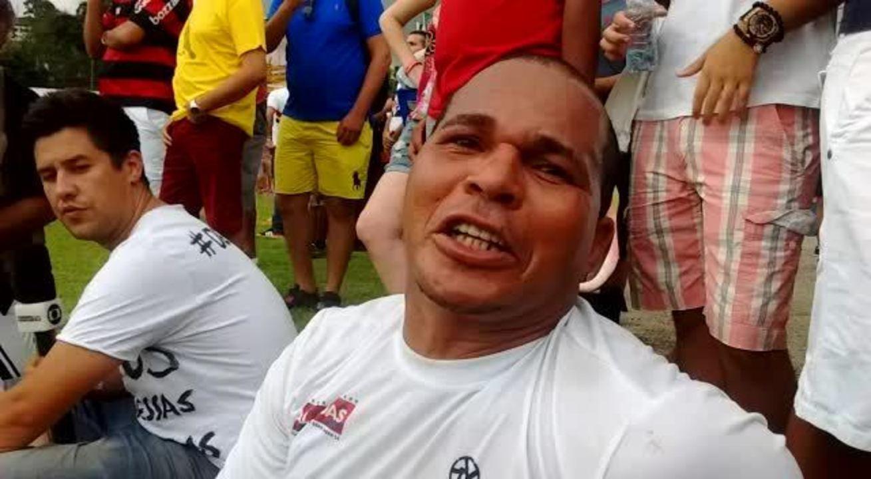 Chulapa manda recado para os torcedores