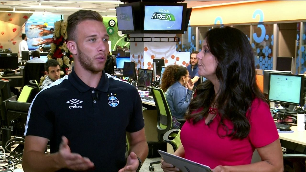 Lesionado, Arthur comenta classificação do Grêmio para a final do Mundial de Clubes