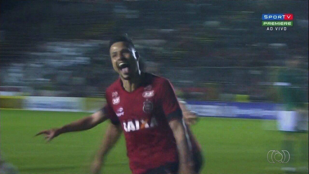 Veja os gols de Rafinha sobre Vila Nova e Goiás, pela Série B