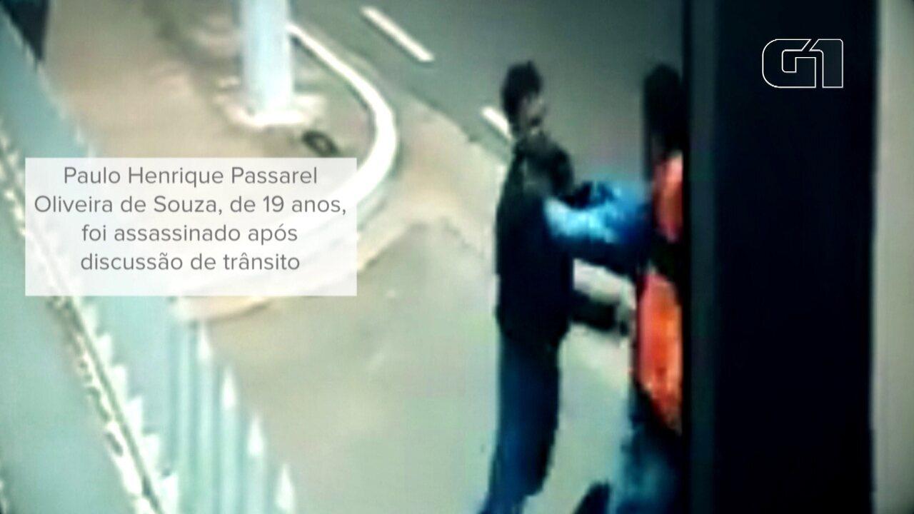 Motociclista é morto a facadas após discussão de trânsito em SP