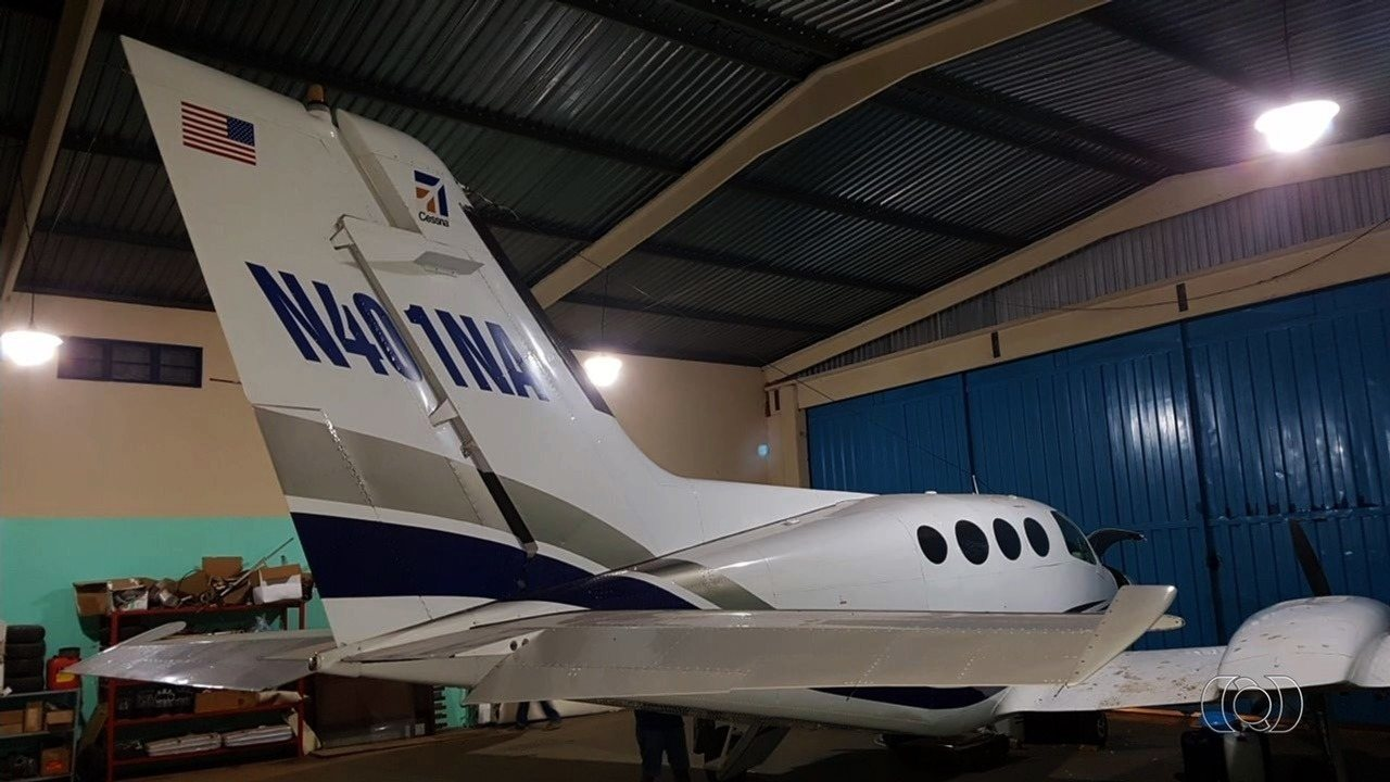 Irmãos espanhóis são presos com avião norte-americano carregado com cocaína, em Goiânia
