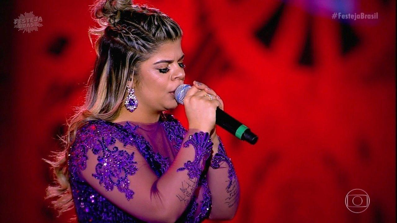 Paula Mattos solta a voz com 'Não Largo, Não Troco, Não Empresto'