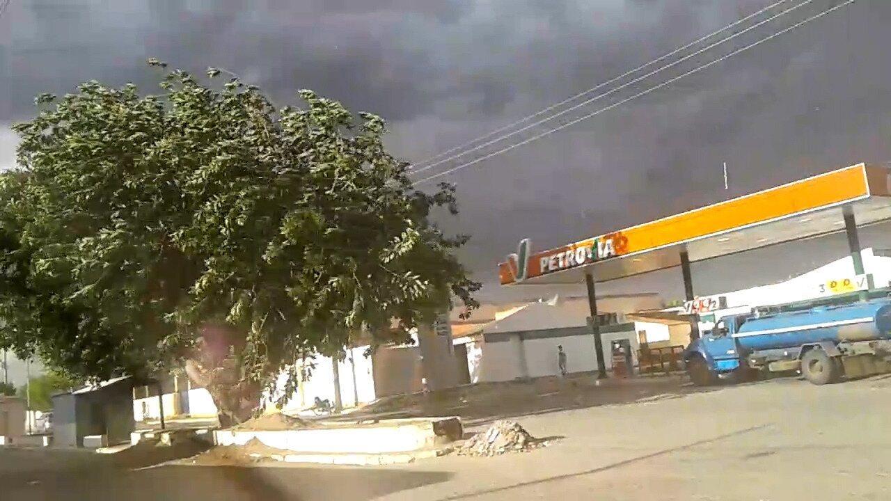 Moradores de Moreilândia registra ventania na cidade
