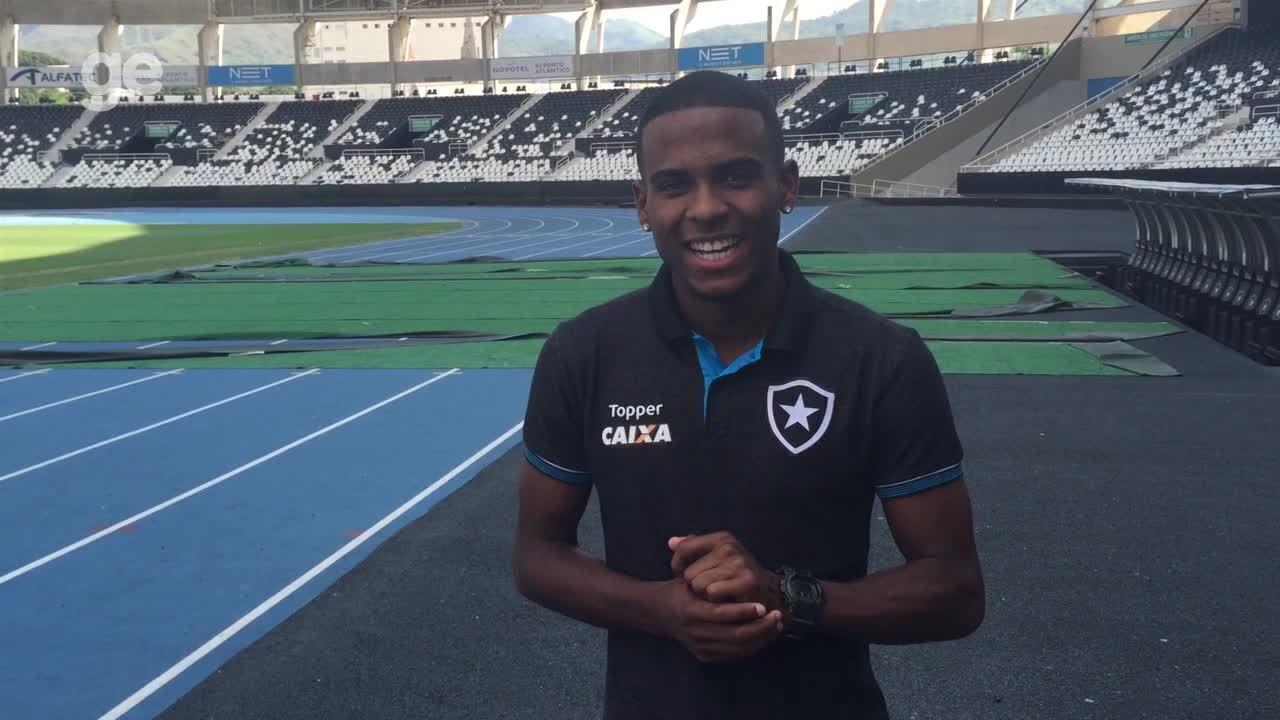 Joia 2018: Ezequiel, promessa do Botafogo, conta passagem engraçada em treino da Seleção