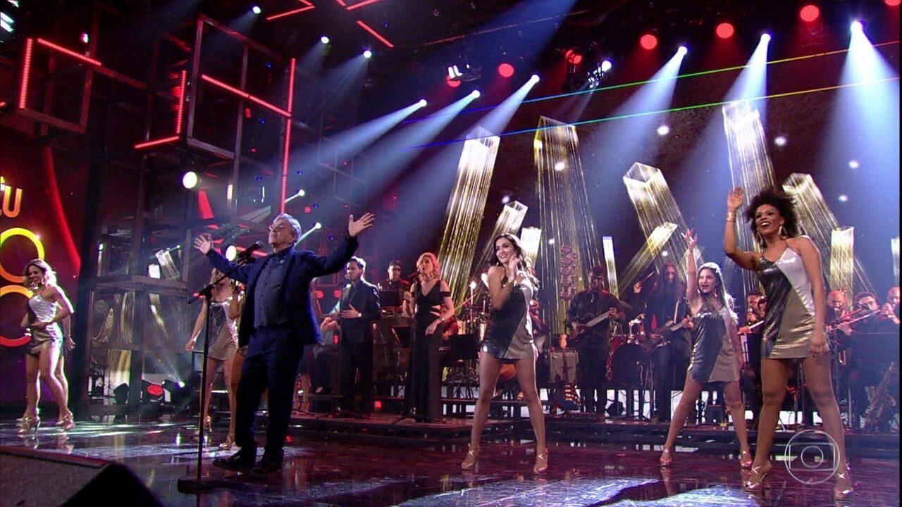 Caetano Veloso canta 'Você é Linda'