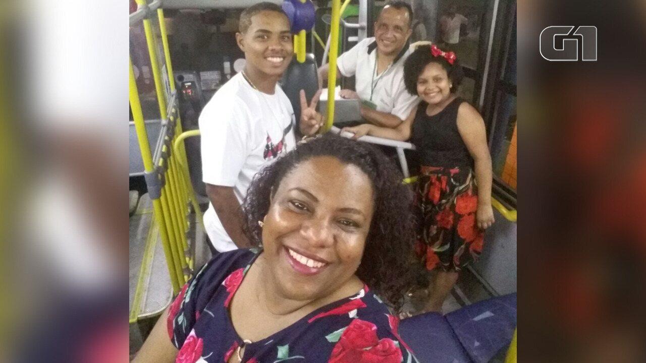 Manicure rejeita convite de viagem e passa réveillon dentro de ônibus com marido cobrador