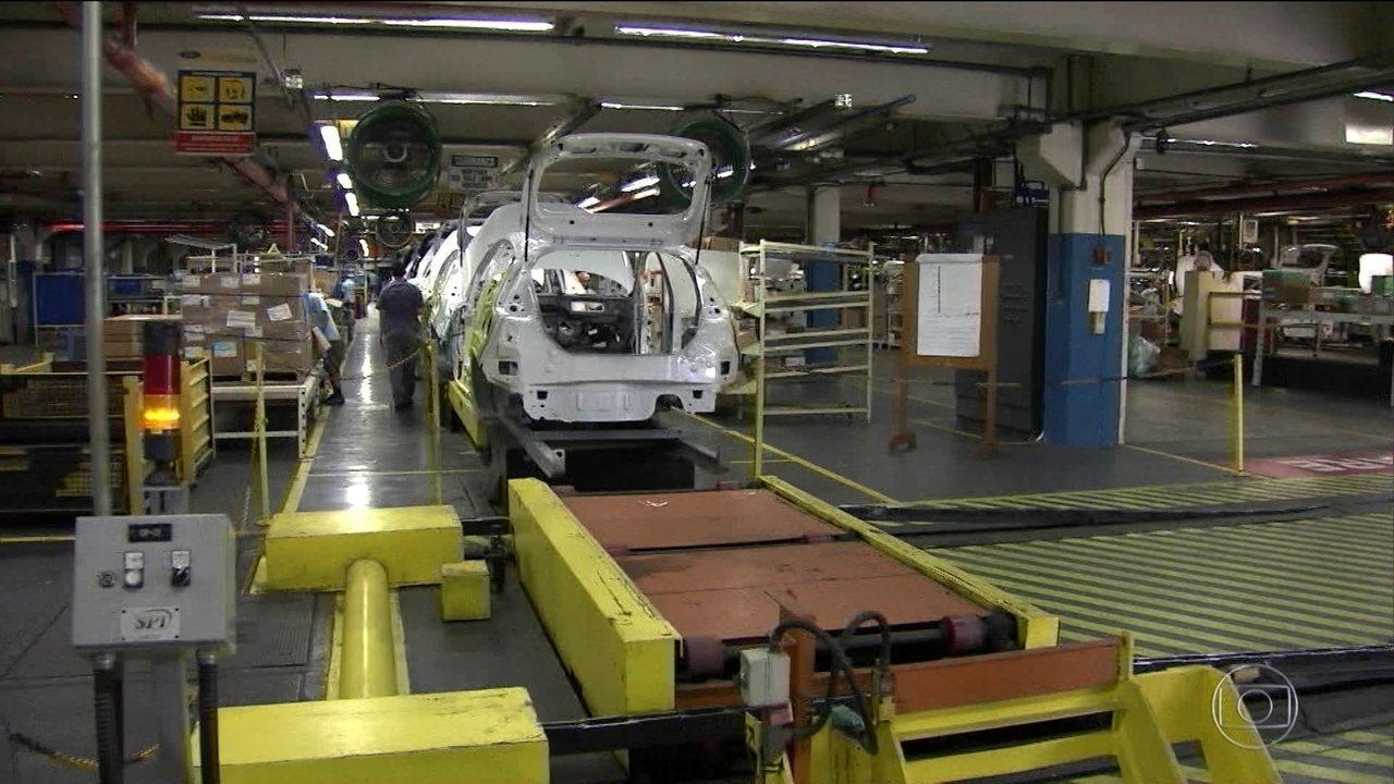 Indústria cresce 4,7% e tem melhor novembro em sete anos