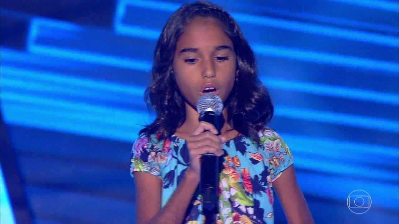 Alane Freitas canta 'Água de Beber'