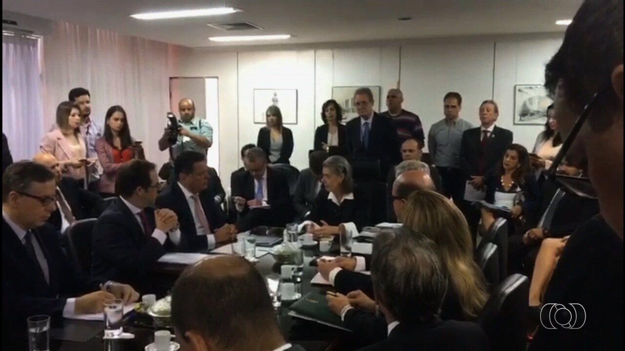 Ministra Cármen Lúcia desiste de visitar presídio palco de rebeliões por 'segurança'