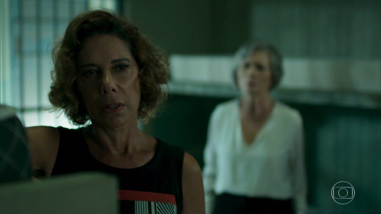 Lígia conta a Sabine que tentou matá-la por ciúmes de Pedrinho