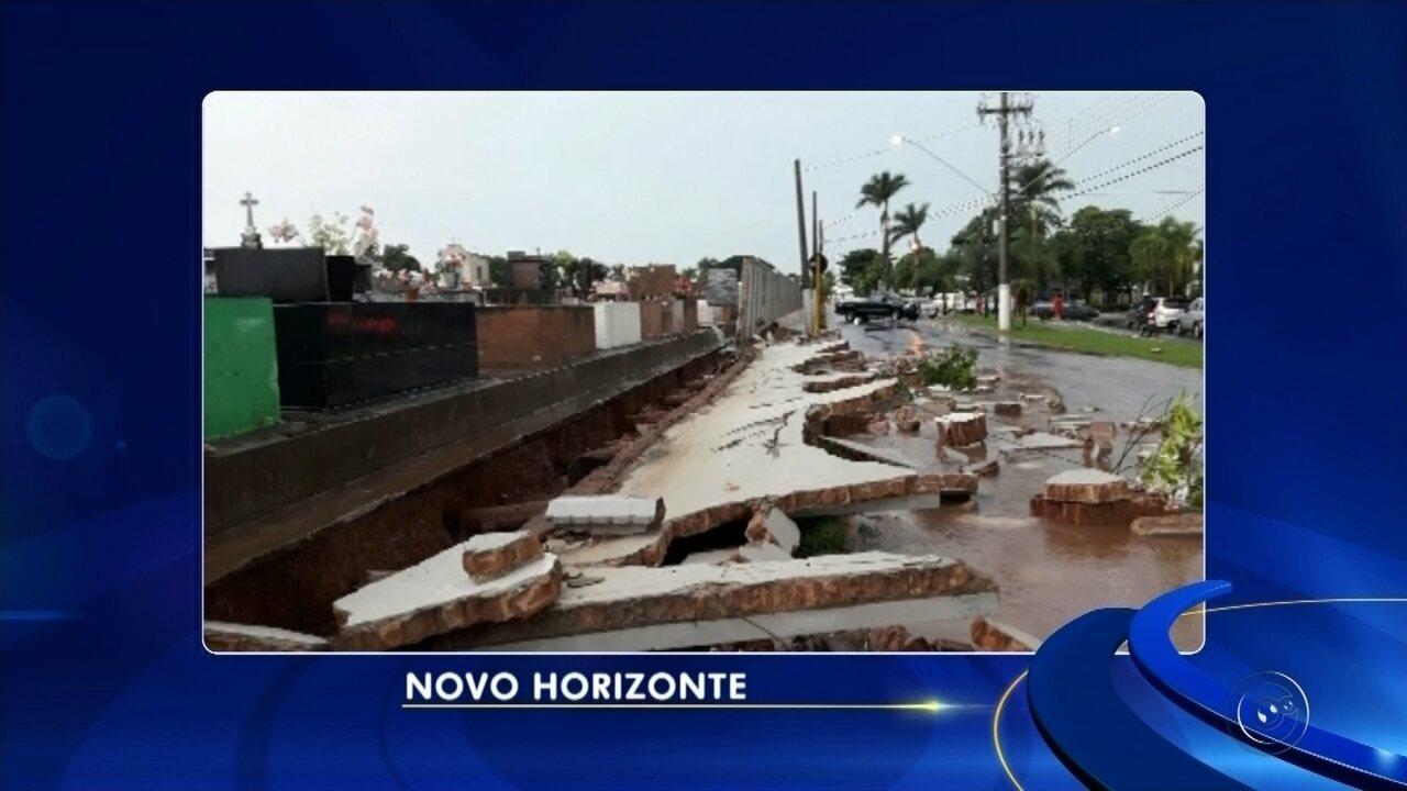 Muro de cemitério de Novo Horizonte desmorona após temporal