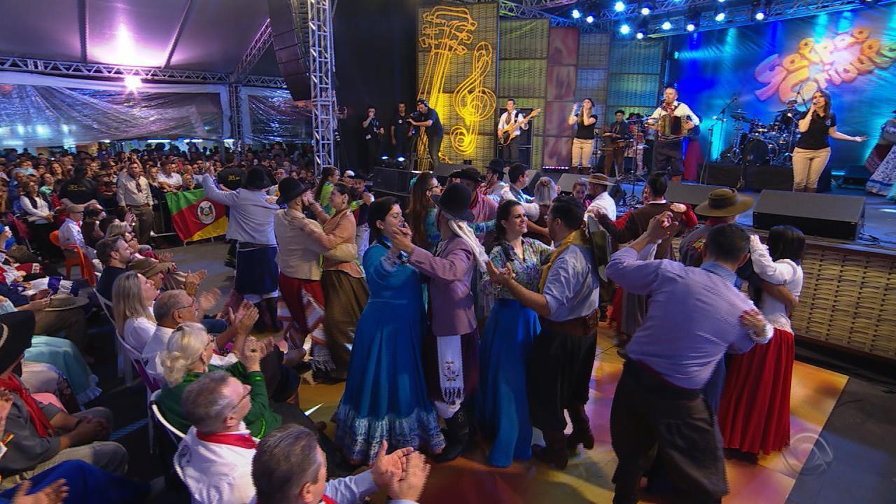 'Galpão Crioulo' direto de Canoas recebe o gaiteiro Jacson Moraes (bloco 2)