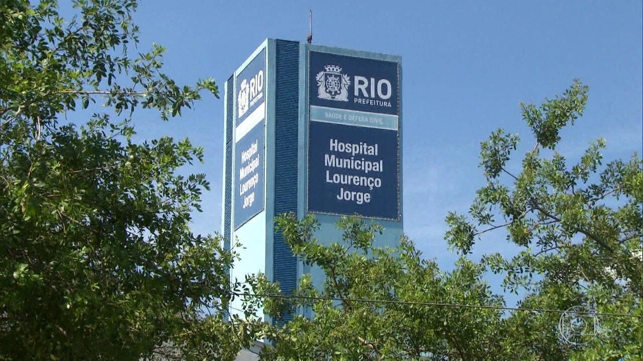 Historiador passou por três hospitais e levou mais de 24 horas para conseguir atendimento