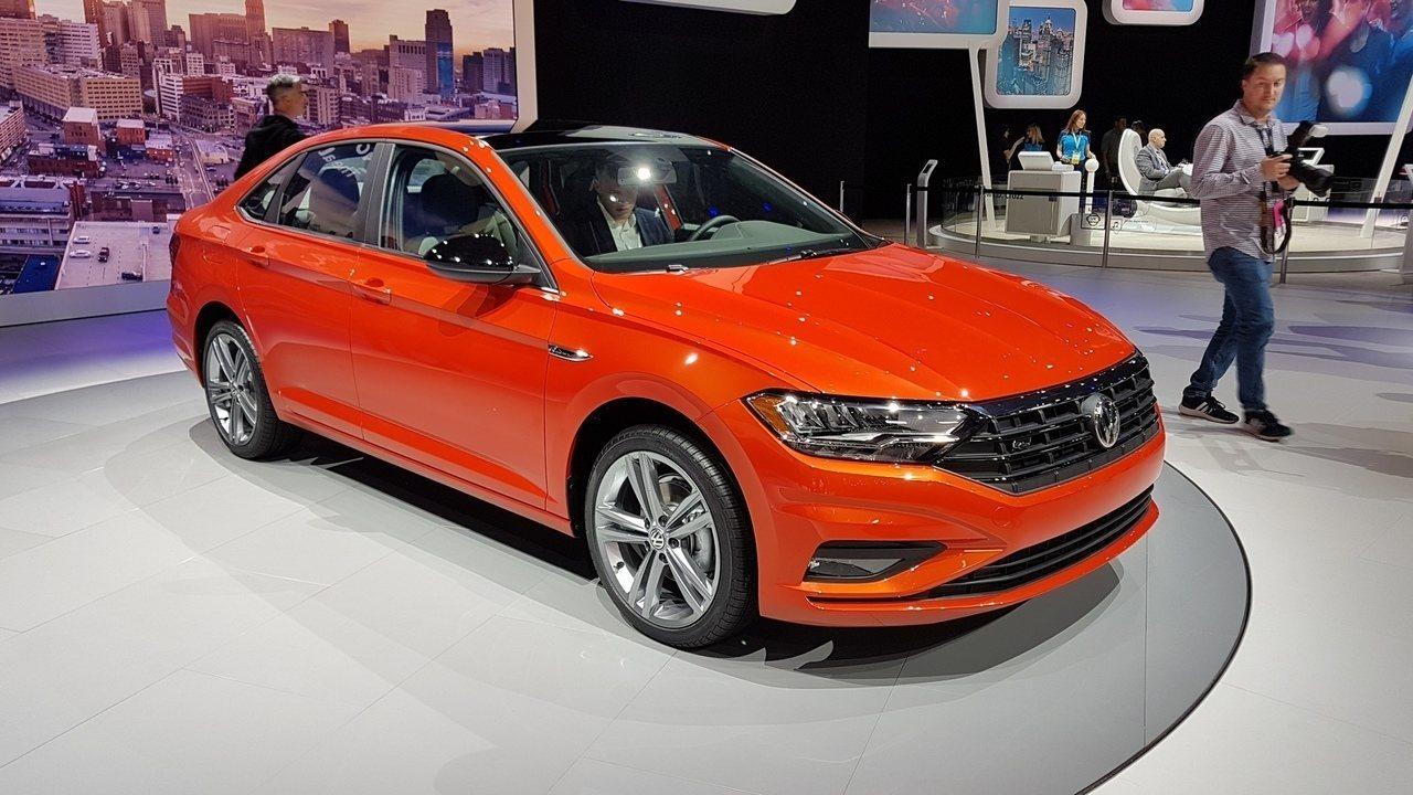 Novo Volkswagen Jetta será feito na plataforma do Golf