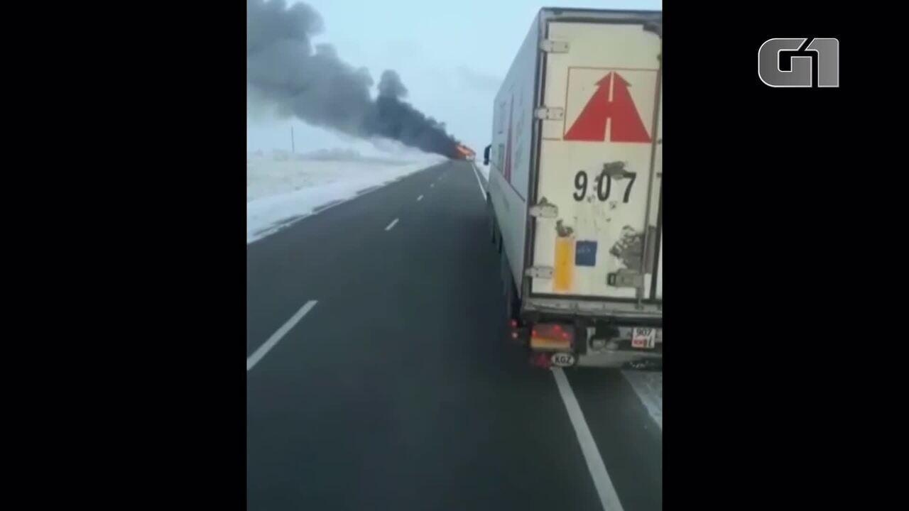 Incêndio em ônibus mata 52 passageiros no Cazaquistão