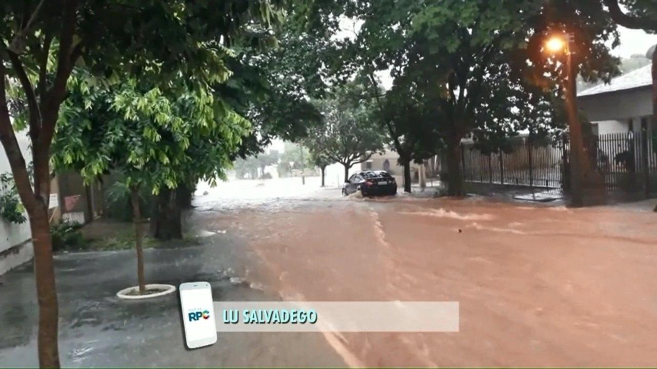 Várias ruas ficam alagadas com novo temporal em Paranavaí