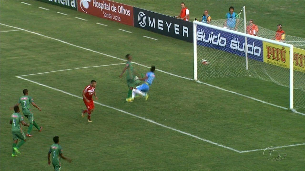Neto Baiano marca três gols no Alagoano e pede música no Fantástico