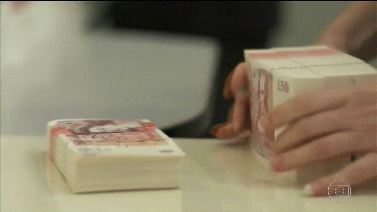 Número de bilionários no mundo cresce a nível inédito, diz ONG