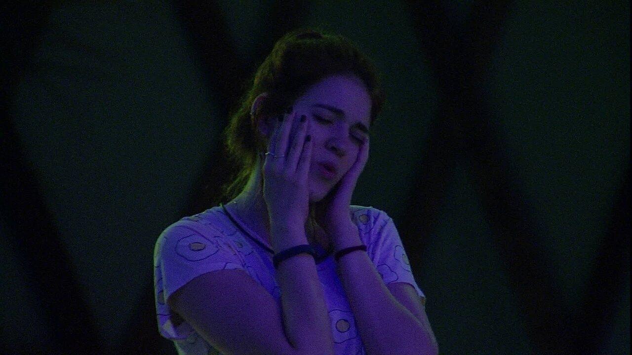 Ana Clara se empolga com música: 'Eu amo Djavan demais'