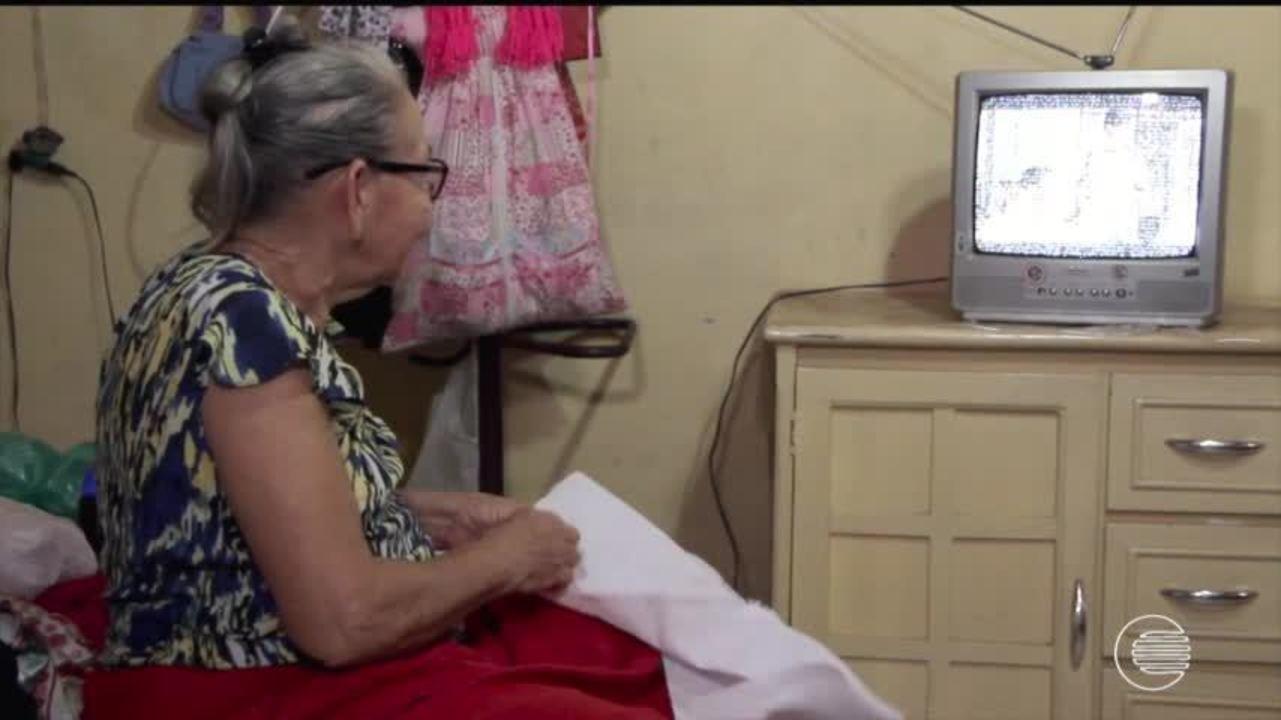 Sinal analógico está prestes a ser desativado, saiba soluções para manter TV antiga