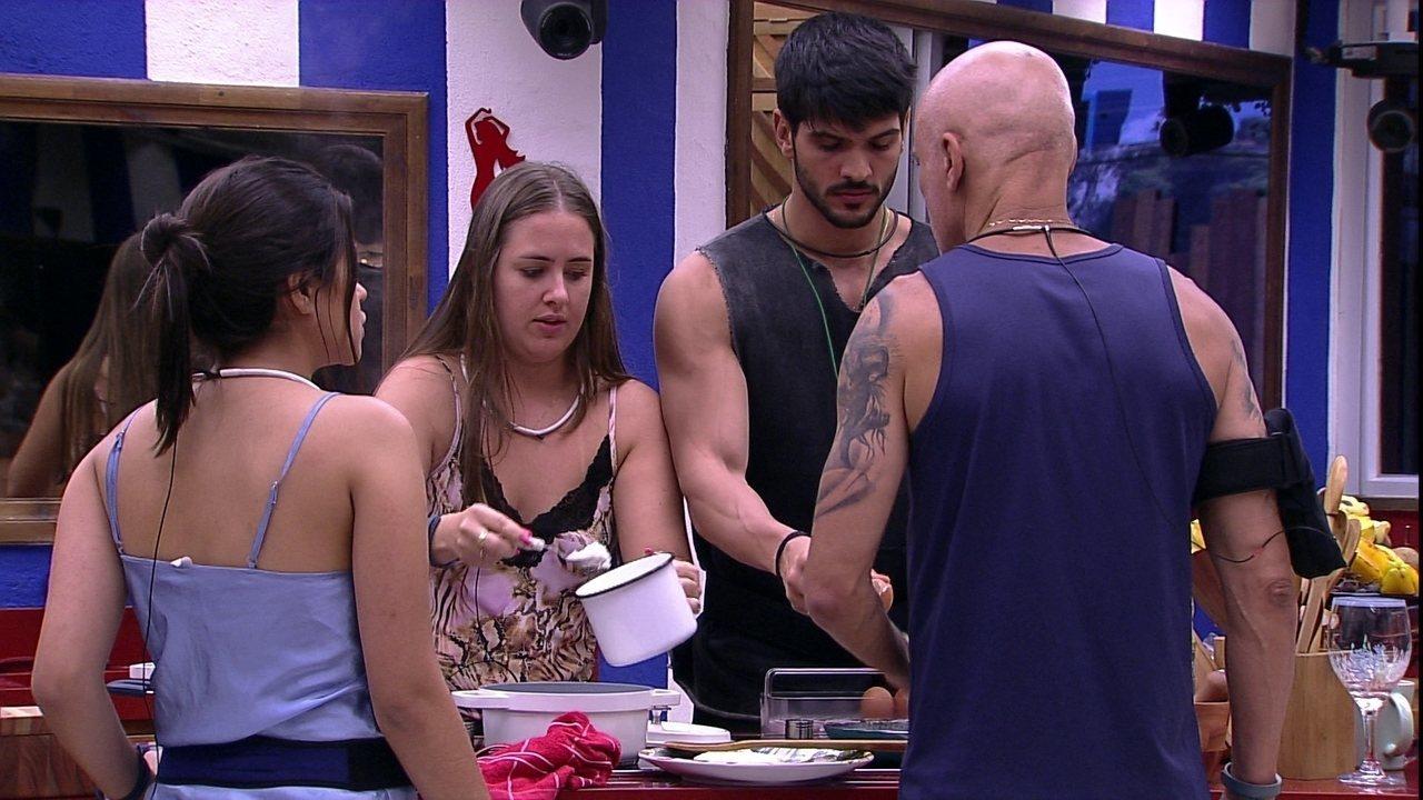 Ana Paula aconselha Lucas sobre os ovos: 'Já vi você comendo vários'