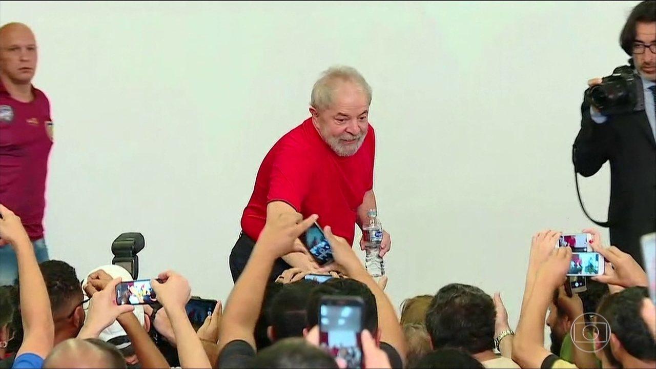 Lula fala sobre julgamento na sede do sindicato dos metalúrgicos do ABC