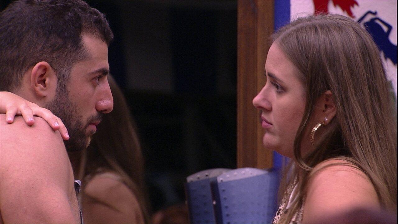 Ana Paula para Kaysar: 'Estão achando que tu é um ator'