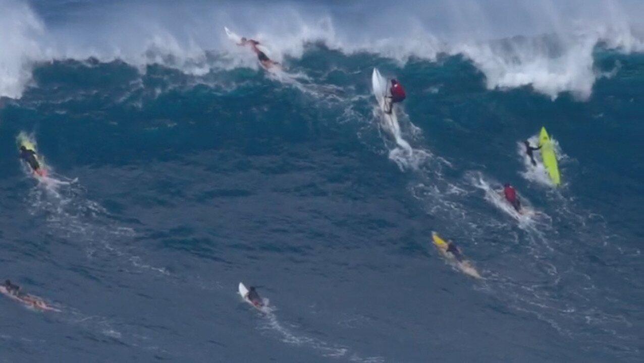 """Após fraturar o pé em onda gigante no Havaí, Lucas Medeiros descreve o que viveu: """"filme de terror"""""""