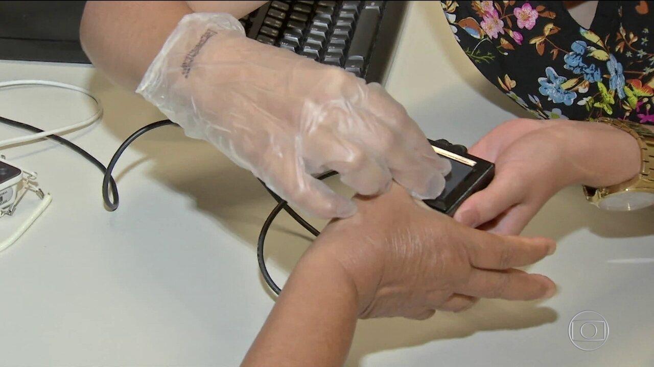 Metade dos eleitores já deve votar com uso da impressão digital