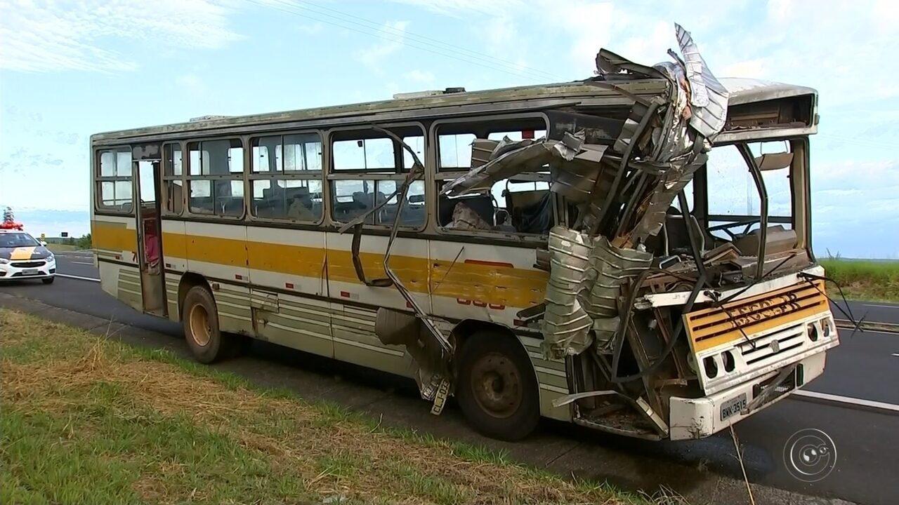 Seis pessoas ficam feridas após acidente em Duartina, nenhuma com muita gravidade