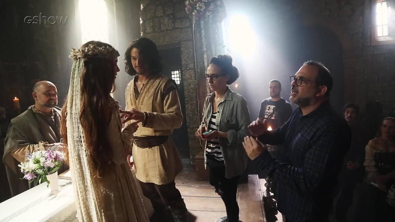 Confira os bastidores do esperado casamento de Amália e Afonso, em 'Deus Salve o Rei'