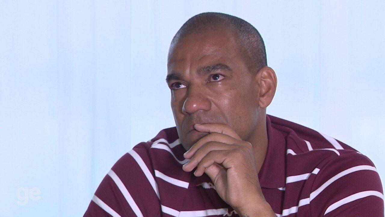 Zagueiro Rodrigo comenta pela 1ª vez episódio de 'dedada' na Ponte Preta - Parte 2