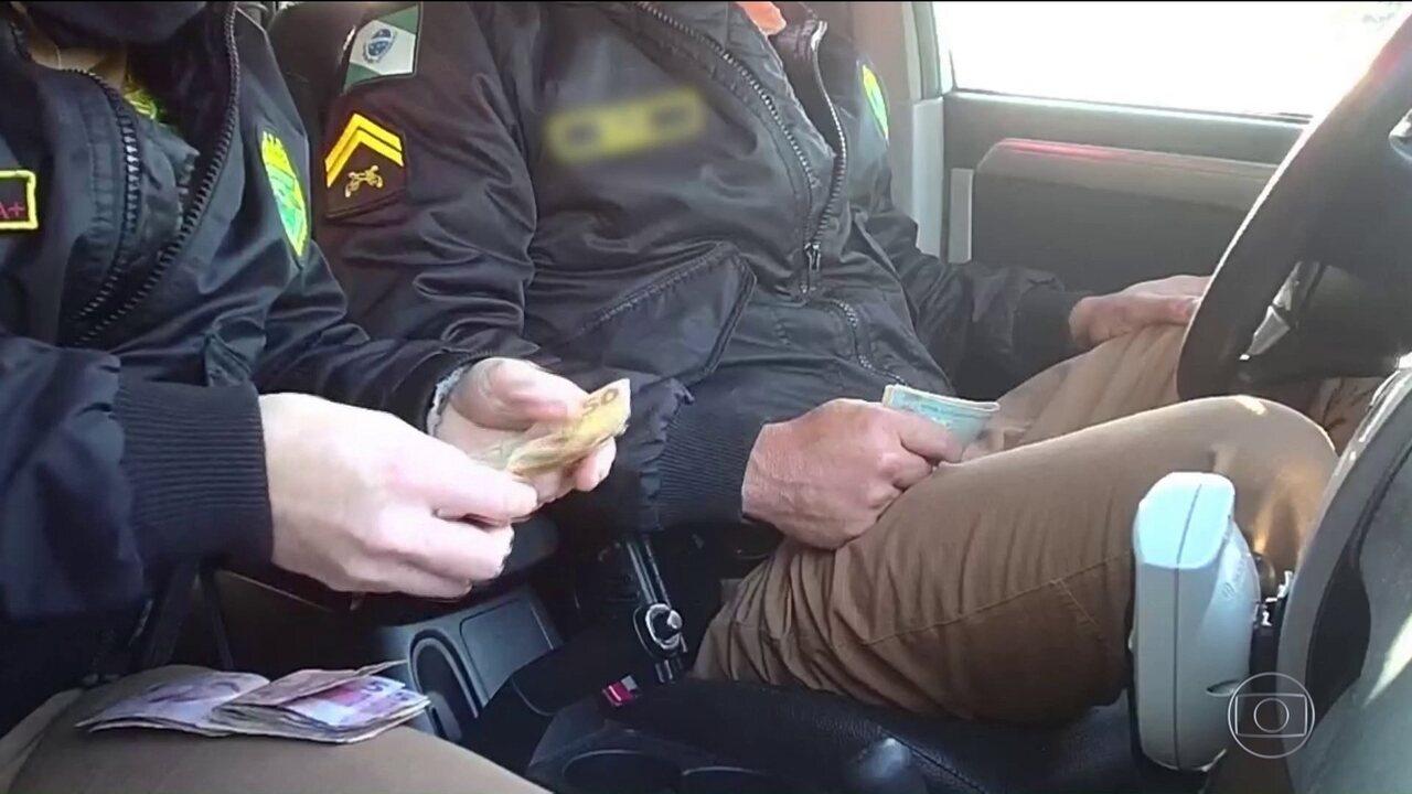 Policiais rodoviários são presos por corrupção no Paraná