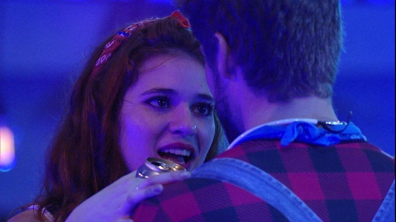 Ana Clara afirma a Breno: 'Quero beijar você'