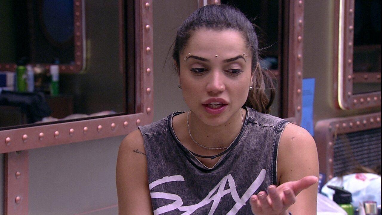 Paula avalia relacionamento de Lucas: 'Ele é noivo, vai casar'