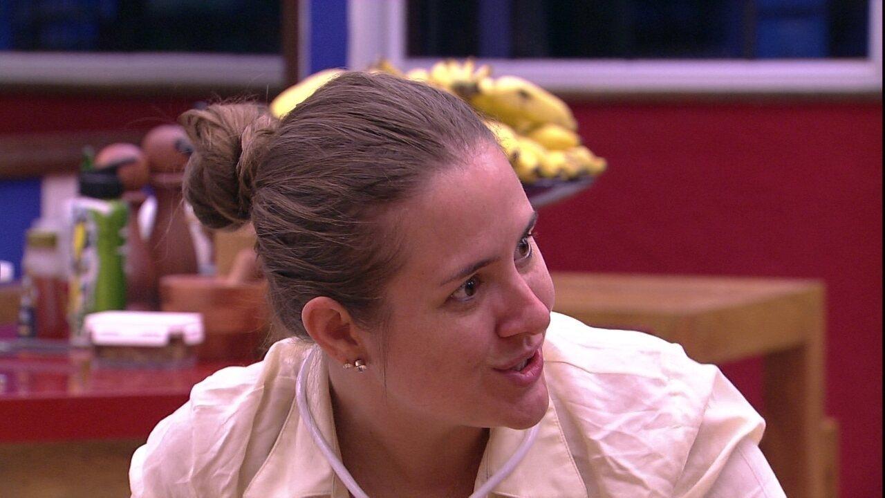 Patrícia pede show da Pabllo Vittar na casa