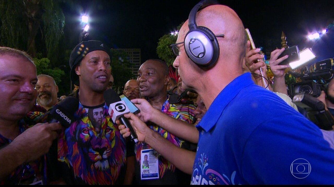 'Eu amo carnaval', diz Ronaldinho Gaúcho