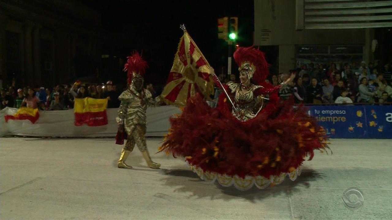 Desfiles de Rio Pardo e Artigas reúnem milhares de foliões