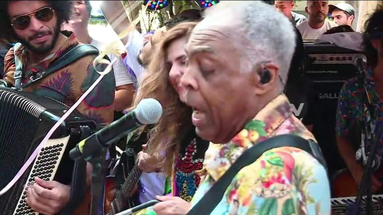 Gilberto Gil canta no Bloco Forrozin em São Paulo