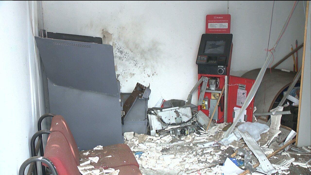 Bandidos explodem caixa eletrônico no distrito de Cajá, em Caldas Brandão