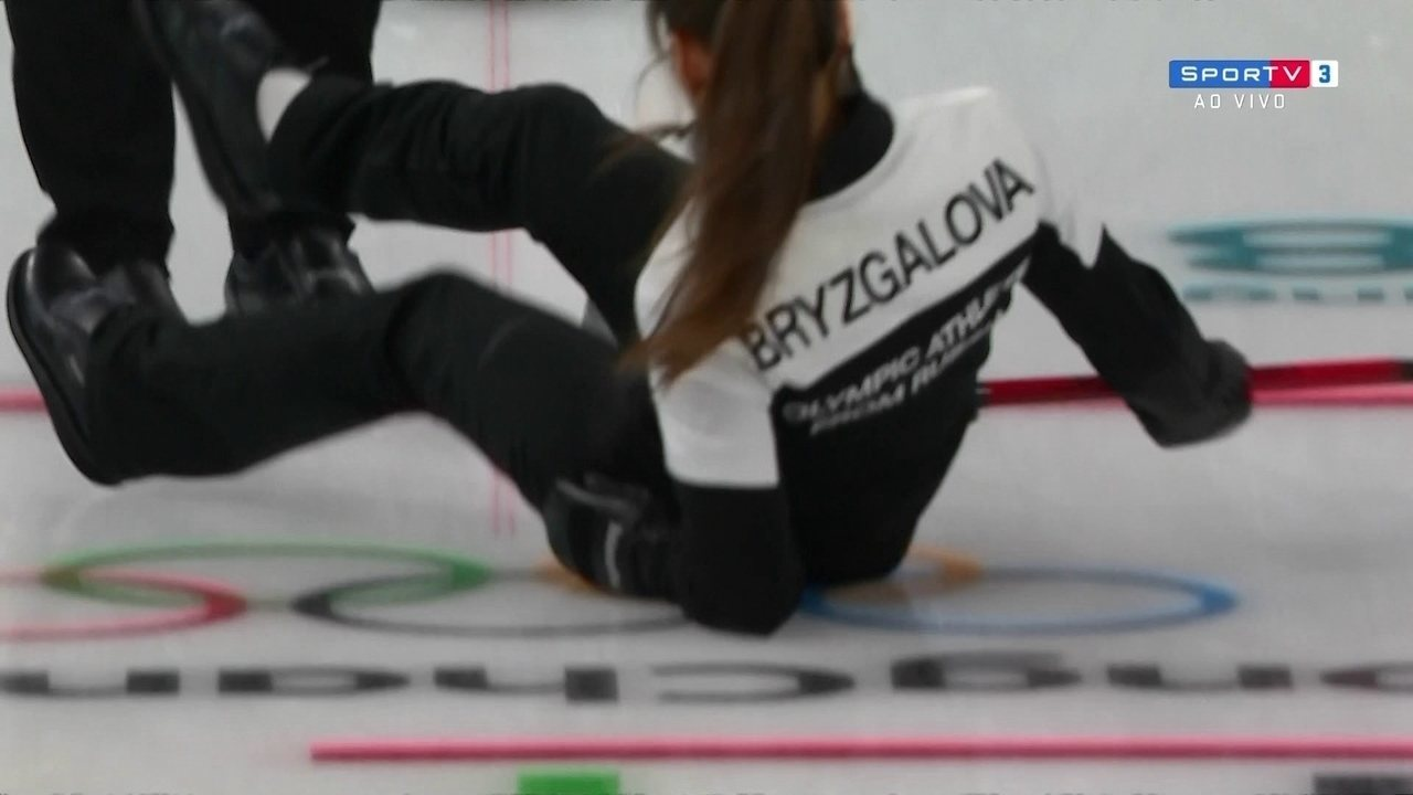 Atleta russa, se distrai e leva tombo feio na disputa do bronze no Curling em PyeongChang