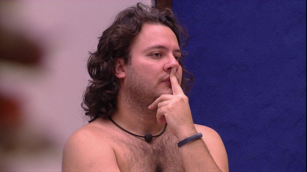 Diego tenta interpretar sonho de Patrícia
