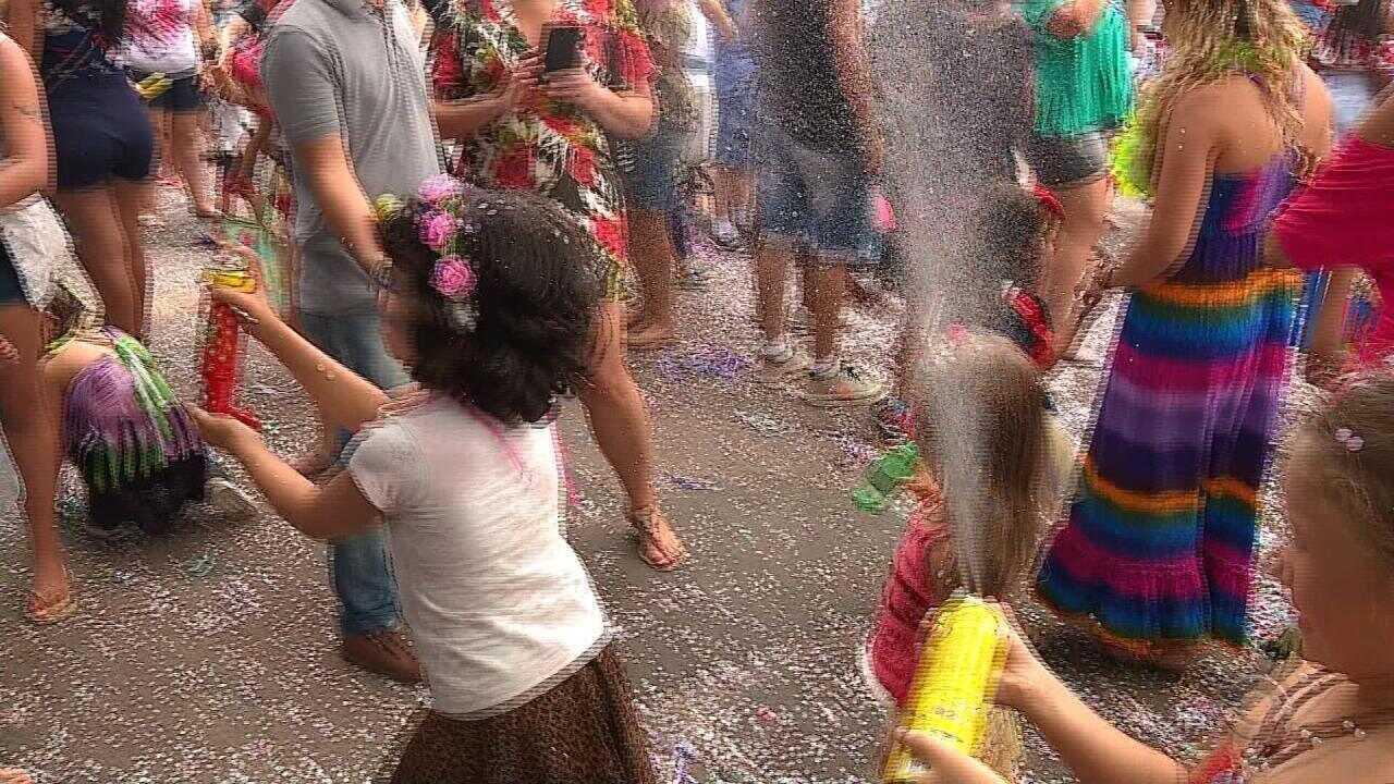 Carnaval na Cidade Baixa, em Porto Alegre, traz animação para crianças