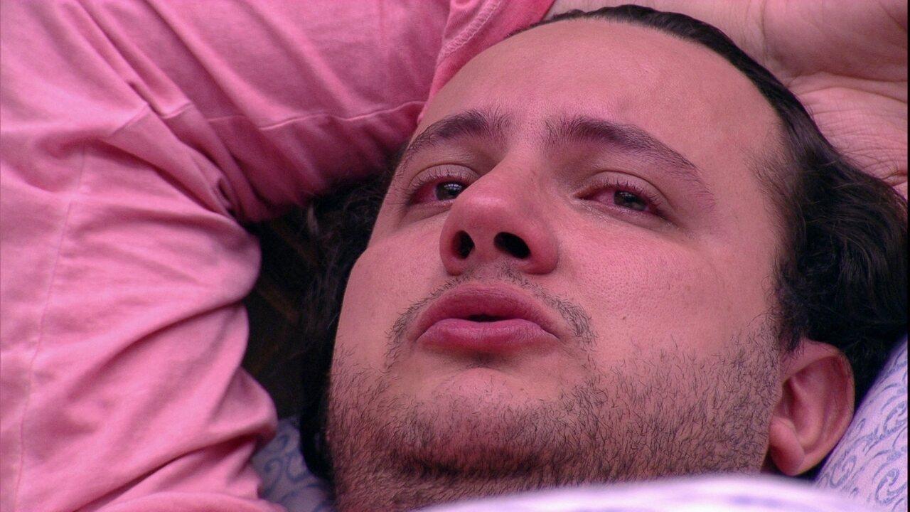 Diego chora no Bangalô do Líder