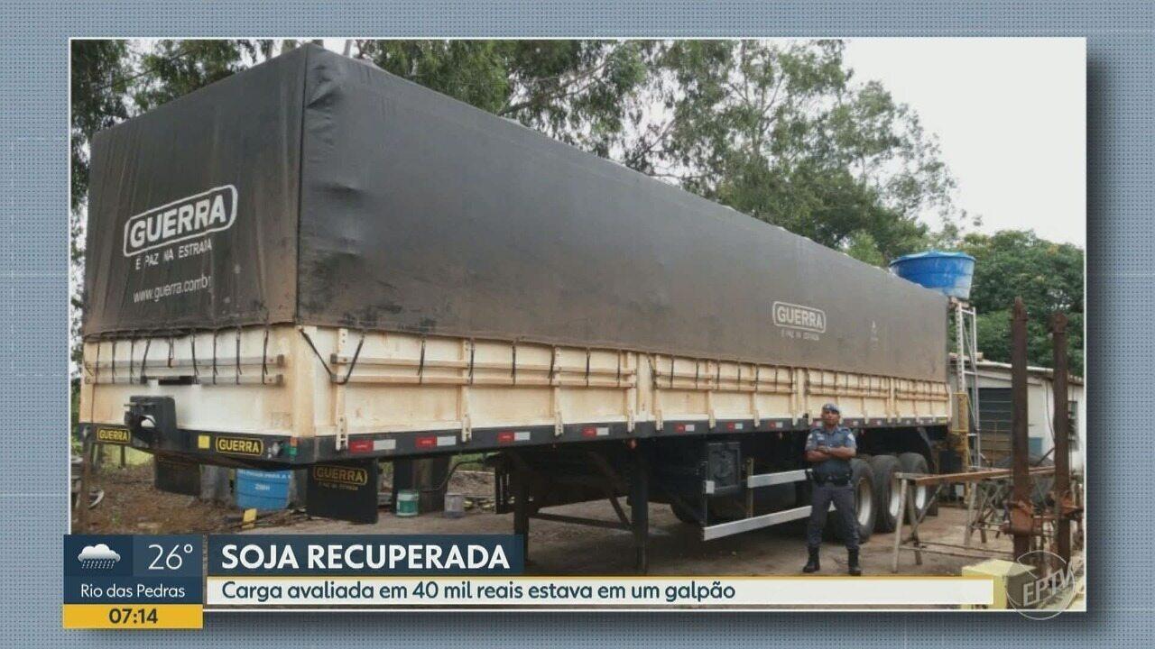 Carga de soja, avaliada em de R$40 mil, é recuperada pelo Baep, em Campinas