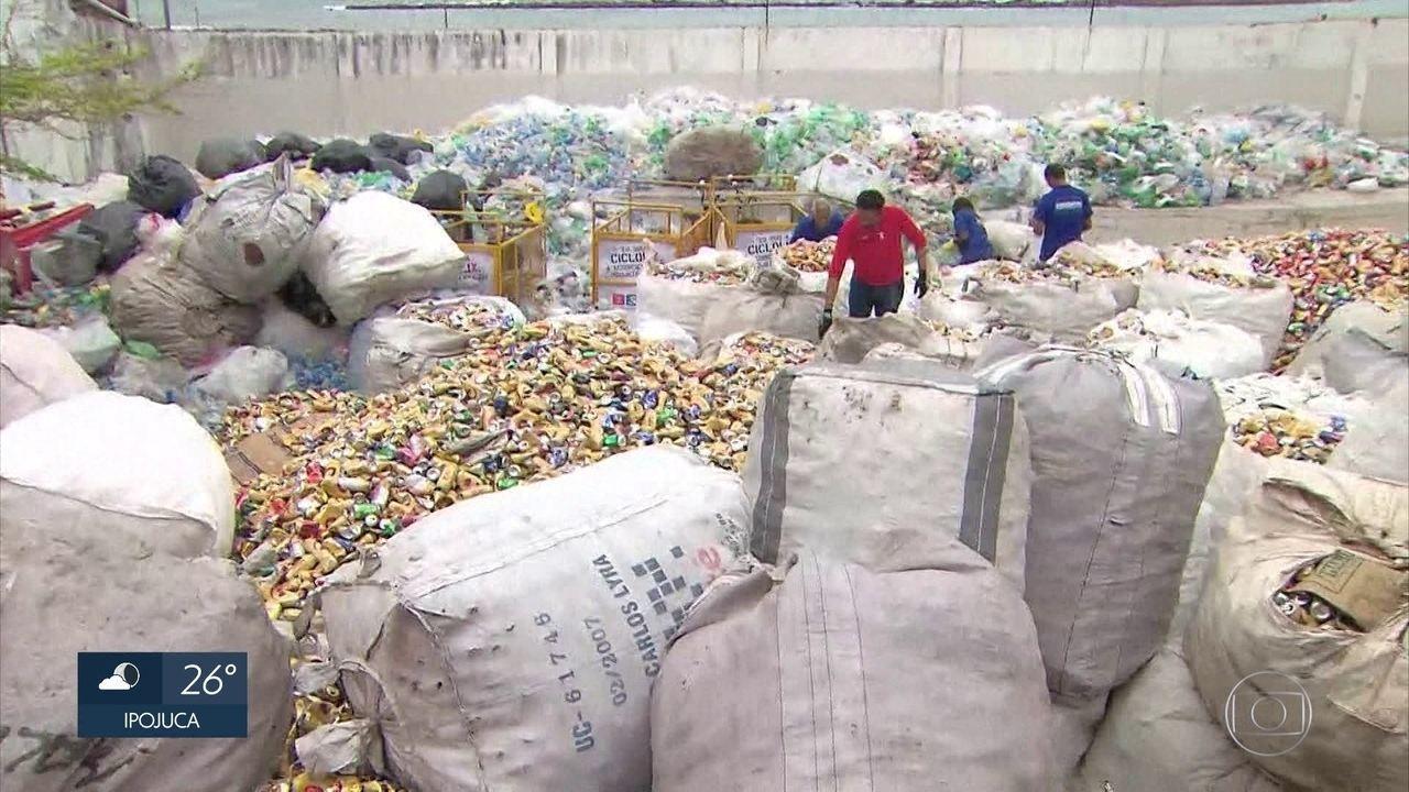 Catadores recolhem 30 toneladas de lixo reciclável durante carnaval de Olinda