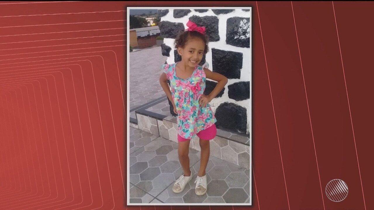 Criança de cinco anos morre após caminhonete cair em ponte, no sul do estado