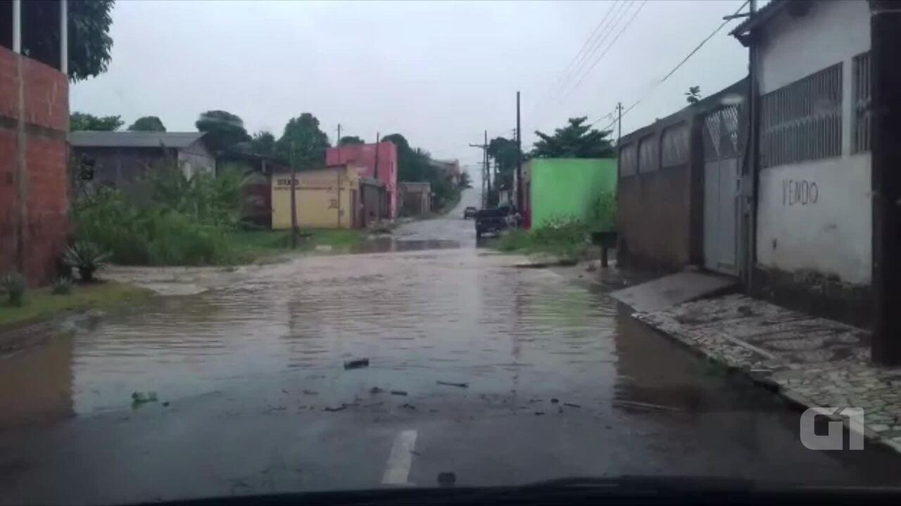 Defesa Civil estima que 900 famílias foram atingidas por enxurrada em Rio Branco. Bairro Conquista, que aparece no vídeo, foi um dos atingidos