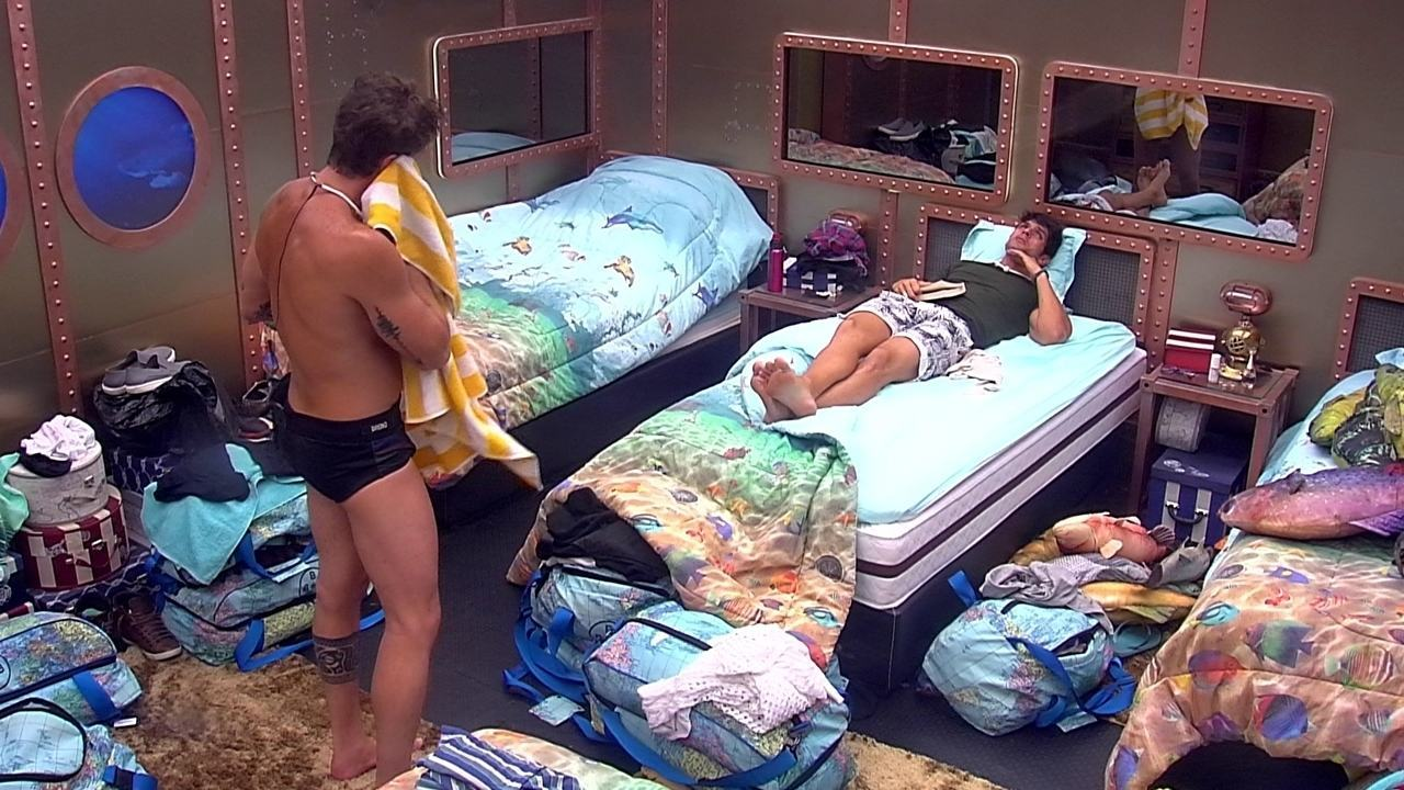 Lucas comenta com Breno: 'Não gosto de conversinha'