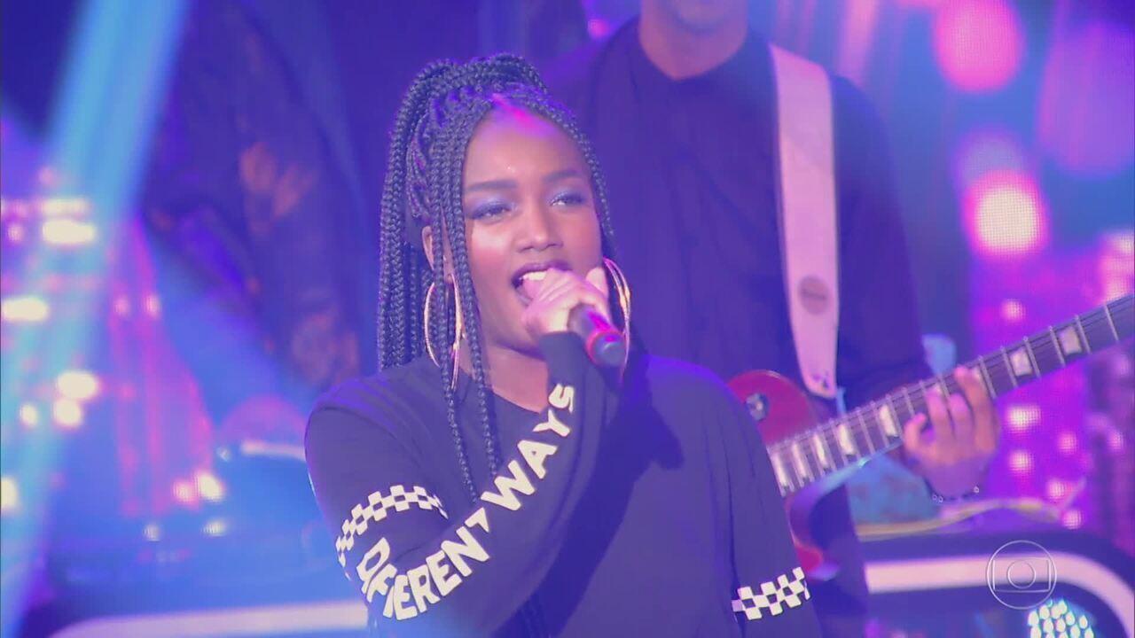 Iza canta 'Valerie', sucesso na voz de Amy Winehouse